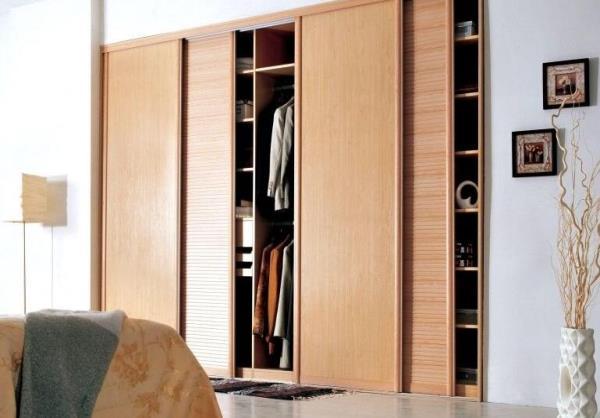 衣柜定制的注意点及优点.jpg