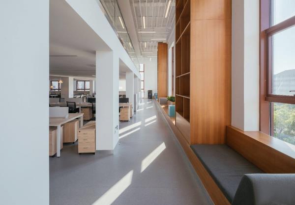 办公室家具搭配,让办公效率提升70%.jpg