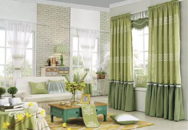 布艺窗帘如何与家居搭配.jpg
