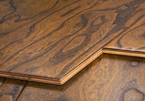 实木地板和实木复合地板比较.jpg