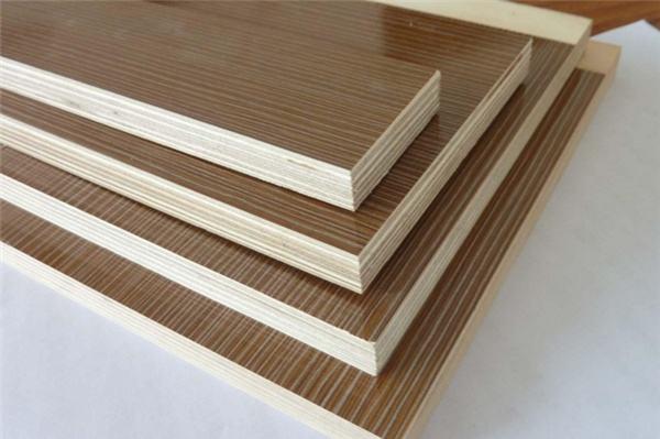 新定制的实木家具总有味道,难道是板材不环保吗?.jpg