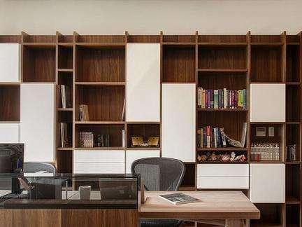 如何定制合适空间的书柜.jpg
