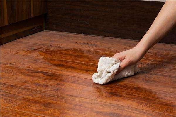 木地板保养方法,记住这些就够了.jpg